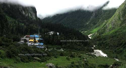 Ghangria Village, The Base camp for trek to Valley of Flowers. Usually we stay here for three nights.