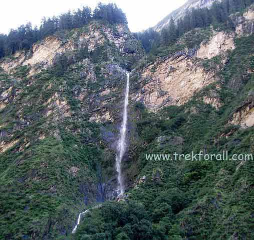 Water fall on the way to valley of flowers, very high waterfall