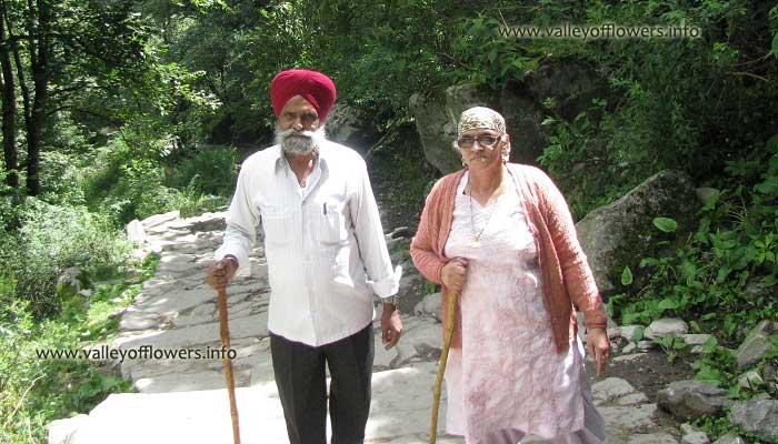 Senior citizens trekking from Govindghat to Ghangaria.