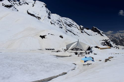 Hemkund Sahib in Mid May