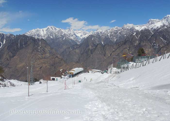Beautiful Peaks visible from Auli
