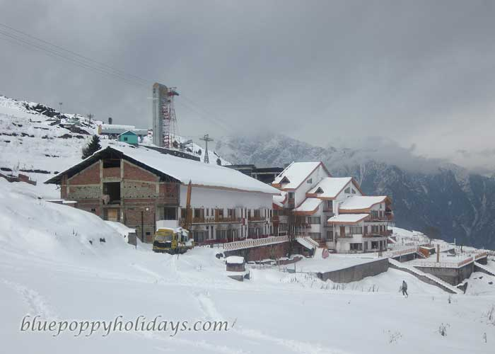 Cliff Top Hotel at Auli