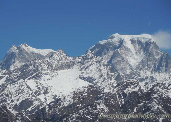 Hathi Peak visible from Auli