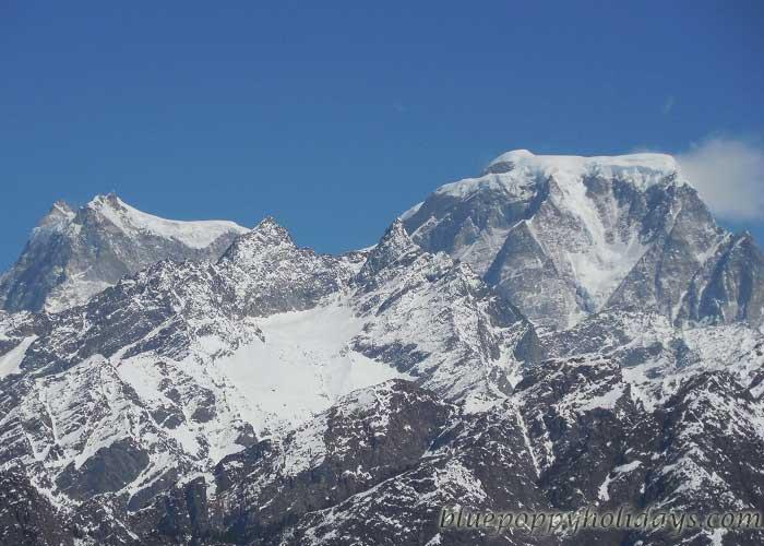 Hathi Peak visible from Auli